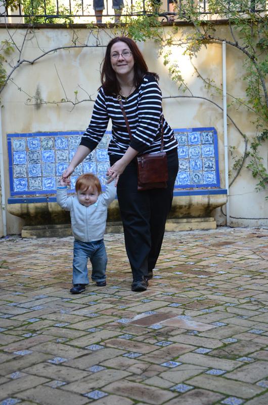 siviglia con un bambino piccolo