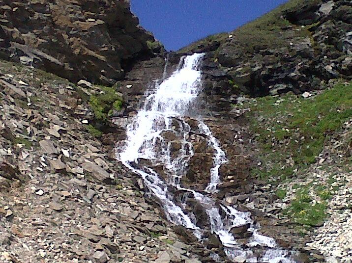 cascata del parco nazionale del gran paradiso