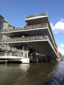 un bici parking da 2500 posti ad Amsterdam