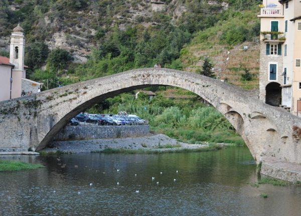 In Liguria ma non al mare: Dolceacqua