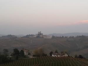 Vista da Monforte verso Serralunga