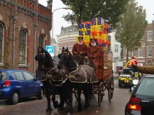 Una carrozza carica di regali da parte di Sinterklaas