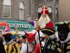 Sinterklaas entra a L'Aia