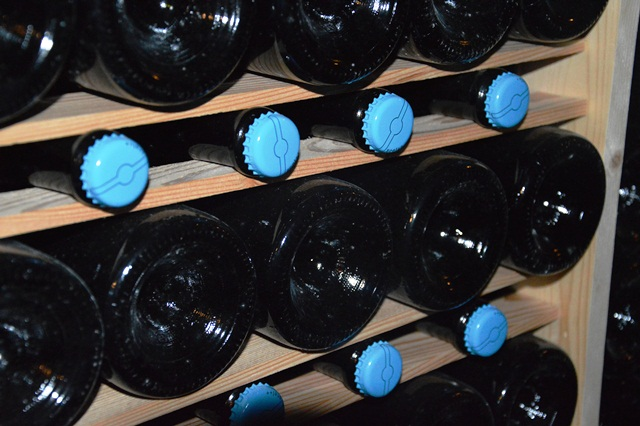 Bottiglie di Durello in catasta