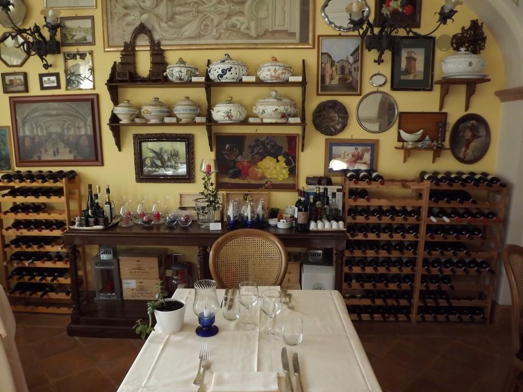 Il ristorante di Villa Zuccari si chiama... La Zuppiera