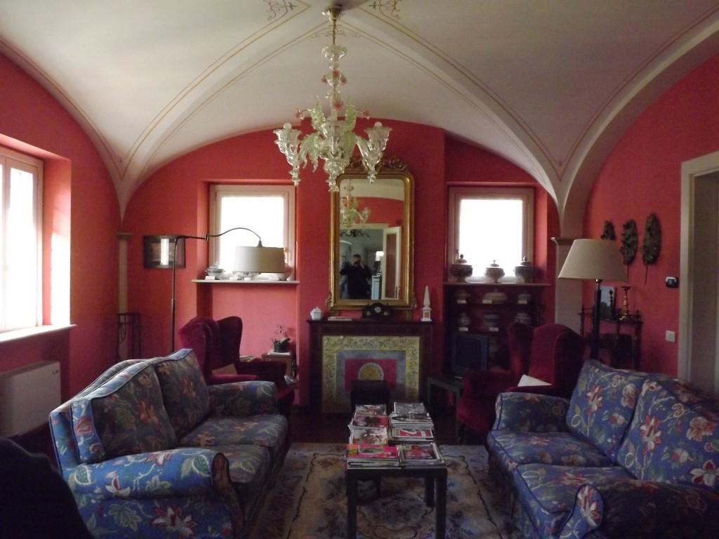 Salottino di Villa Zuccari (con zuppiere!)