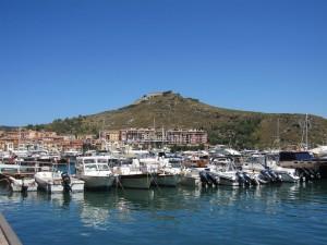 La Marina di Porto Ercole con Forte Filippo