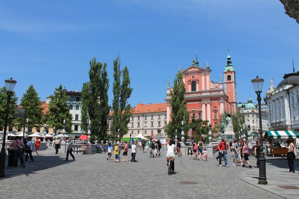 la piazza centrale di lubiana