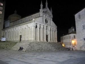 Duomo di Massa Marittima in notturna