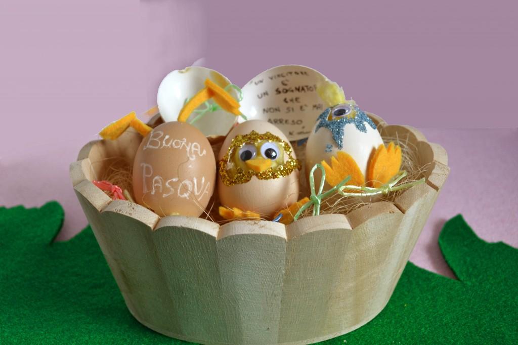 centro tavola con uova pasquali