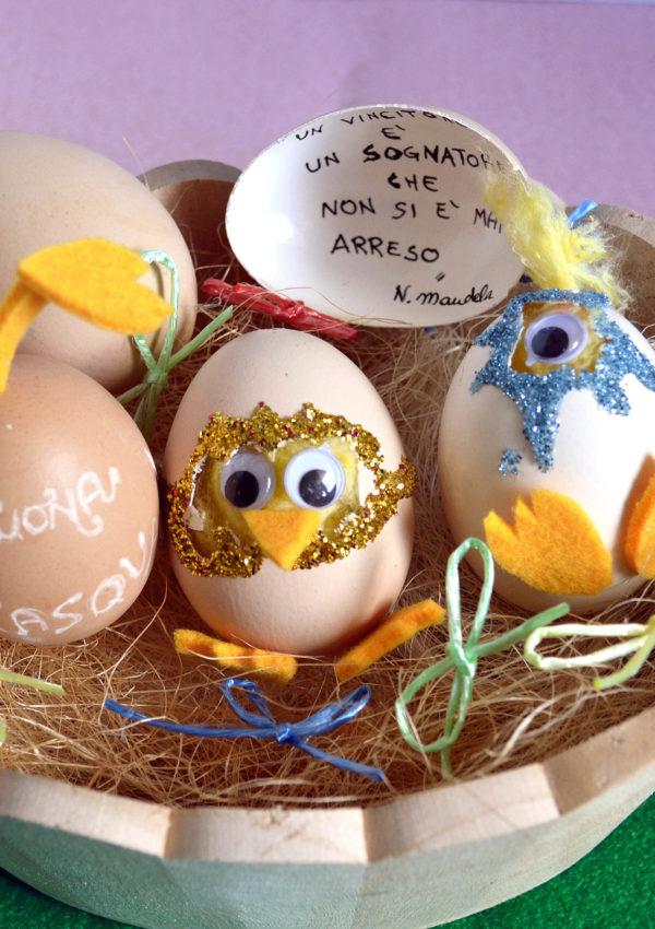 Buona Pasqua con le uova decorate e un messaggio #perilmondo
