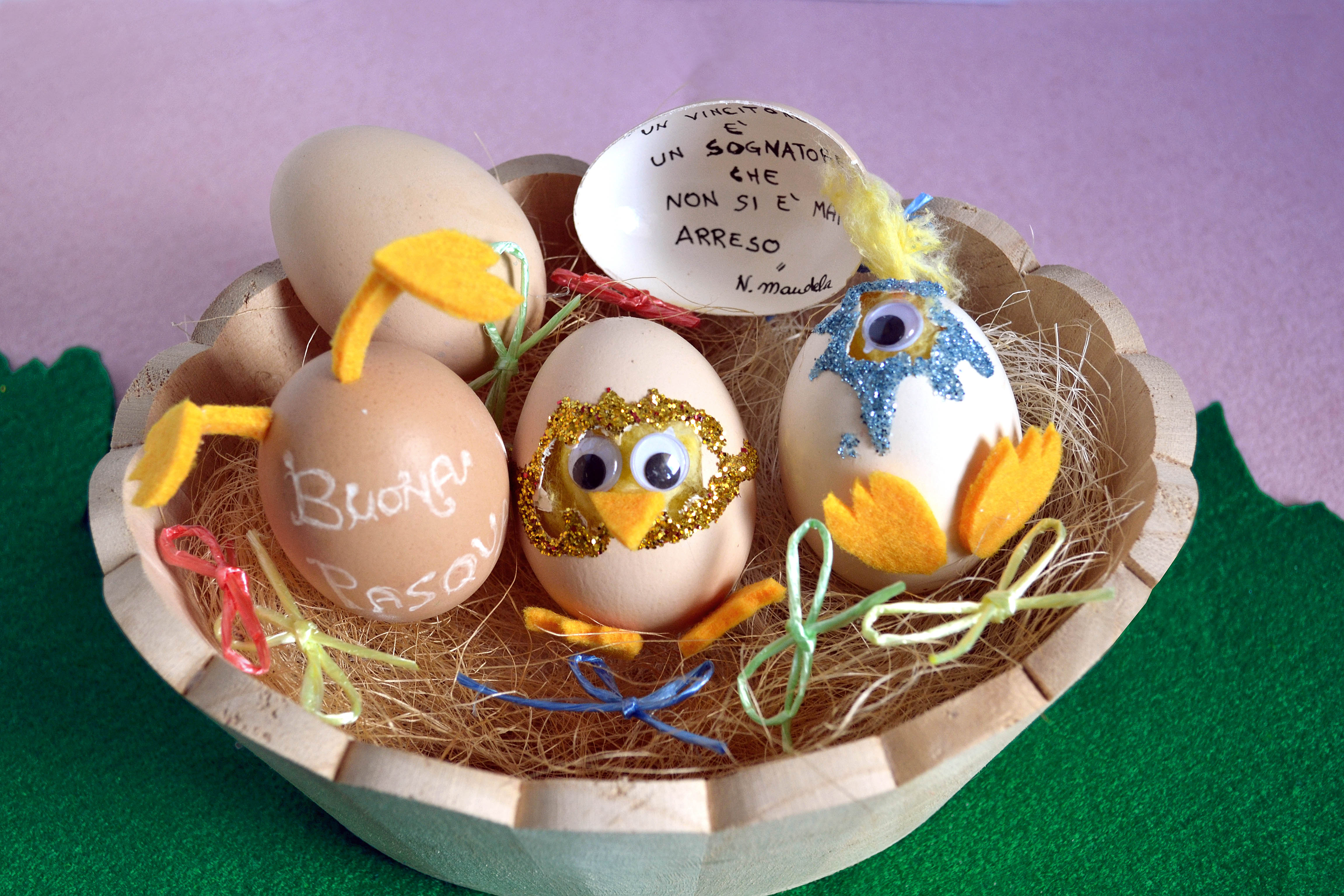 Buona pasqua con le uova decorate e un messaggio - Pasqua uova decorate ...