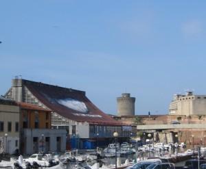 La torre medicea ed il quartiere Venezia