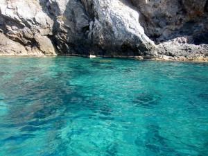 Le acque cristalline di Cala del Gesso