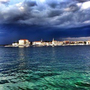 Il mare davanti a Porec - Ph. credits @gabriotomellieri su Instagram