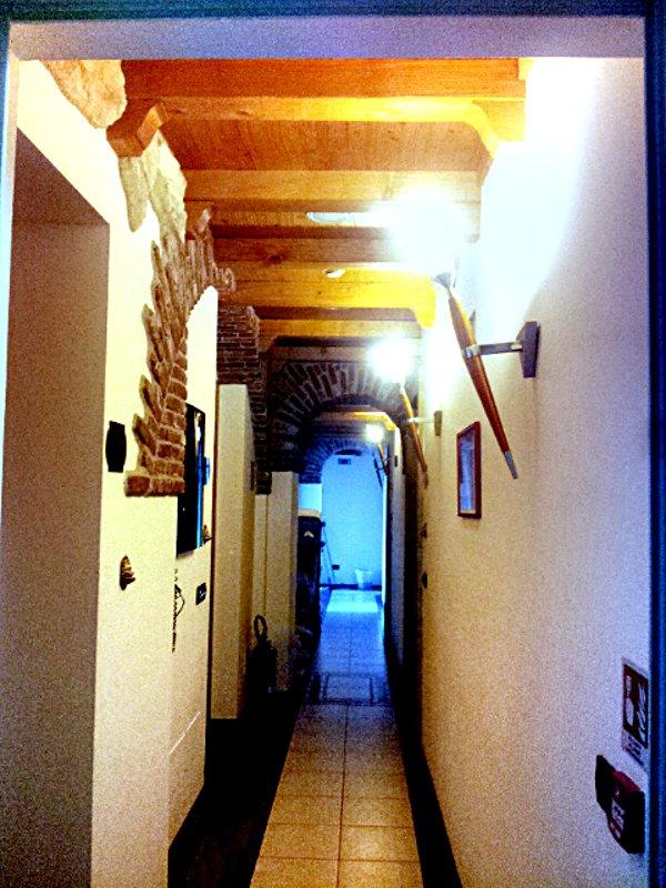 corridoio hotel ungheria