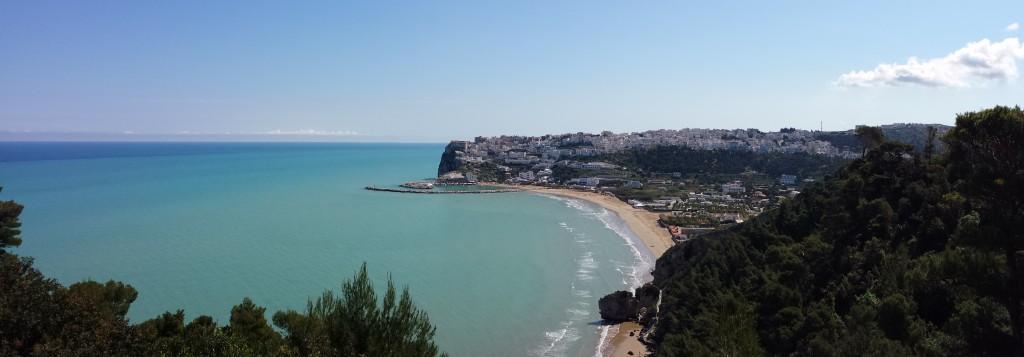 Panorama della costa garganica con Peschici