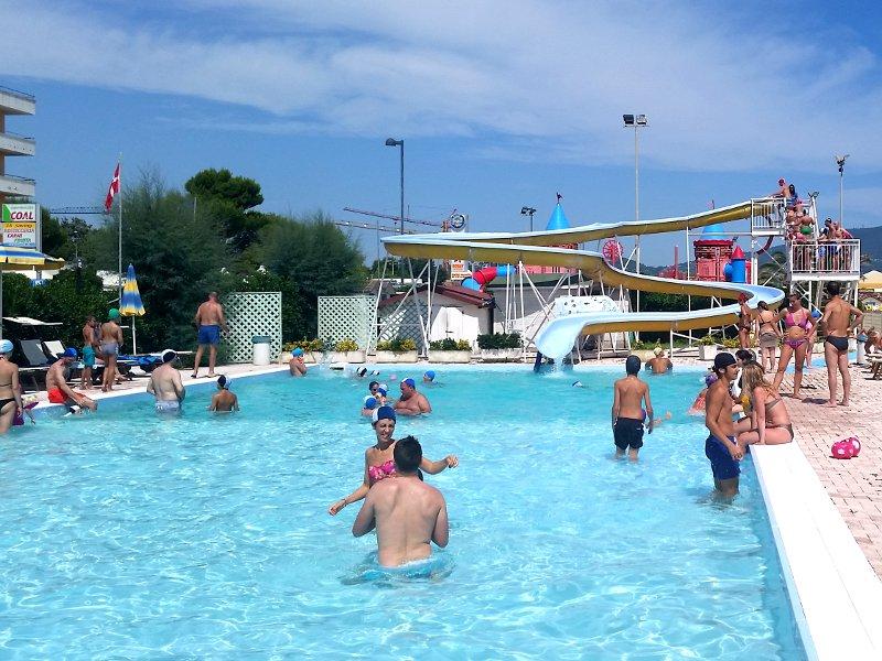 piscina alla spiaggia Den Angelis on the beach