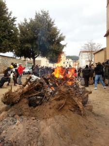 fuoco per l inizio del carnevale in sardegna