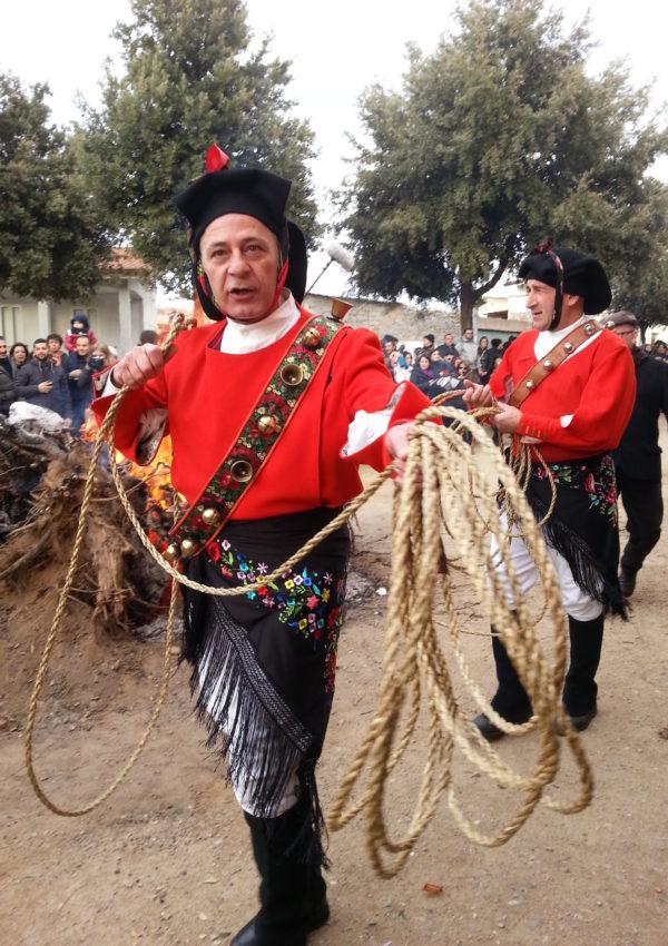 Sant'Antoni de su fogu: l'inizio del carnevale in Sardegna!