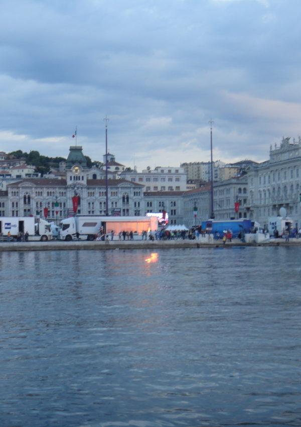 Consigli ed emozioni per visitare Trieste: una città sospesa tra passato e presente