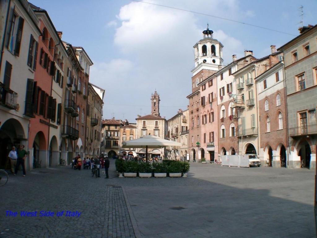 Savigliano_Piazza_ SantaRosa