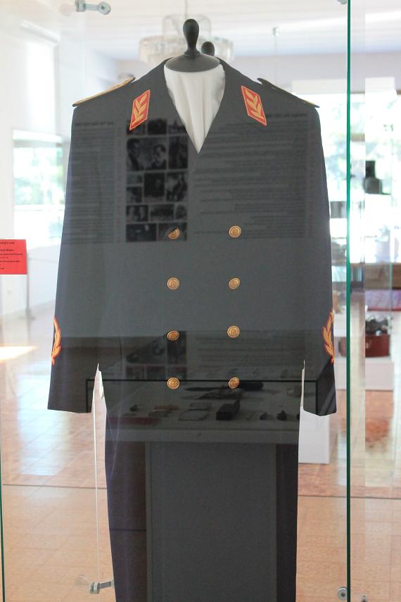 uniforme tito