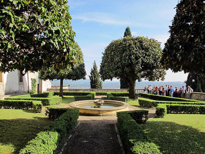 Villa medicea di Fiesole: la terrazza di mezzo