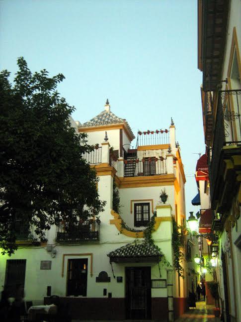 siviglia di sera barrio di santa cruz