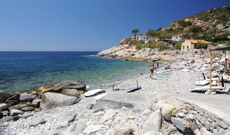 spiaggia-di-chiessi-02-750x440