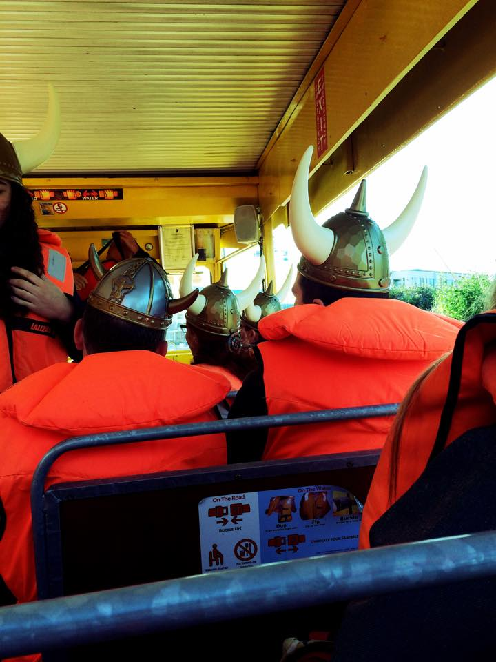 splash tour con elmi vichinghi