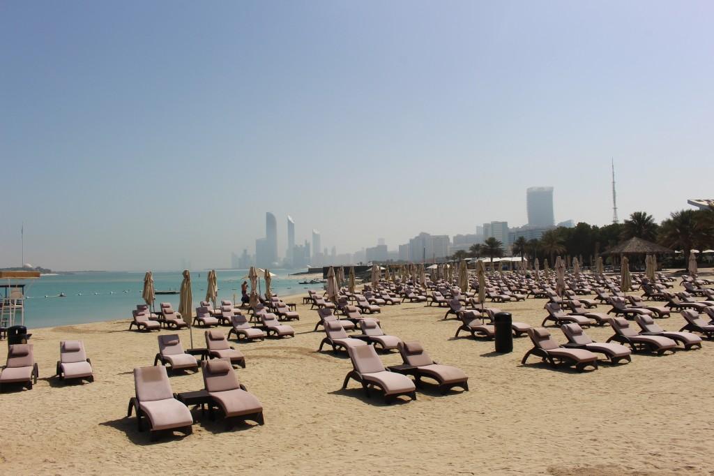 spiaggia hiltonia beach club: la spiaggia dell' hotel hilton di abu dhabi