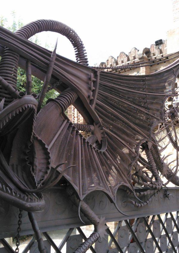 Barcellona: un tour attraverso tutte le opere di Antoni Gaudí