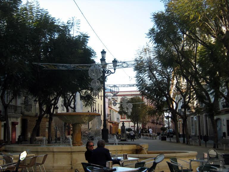 cadice piazza con fontana