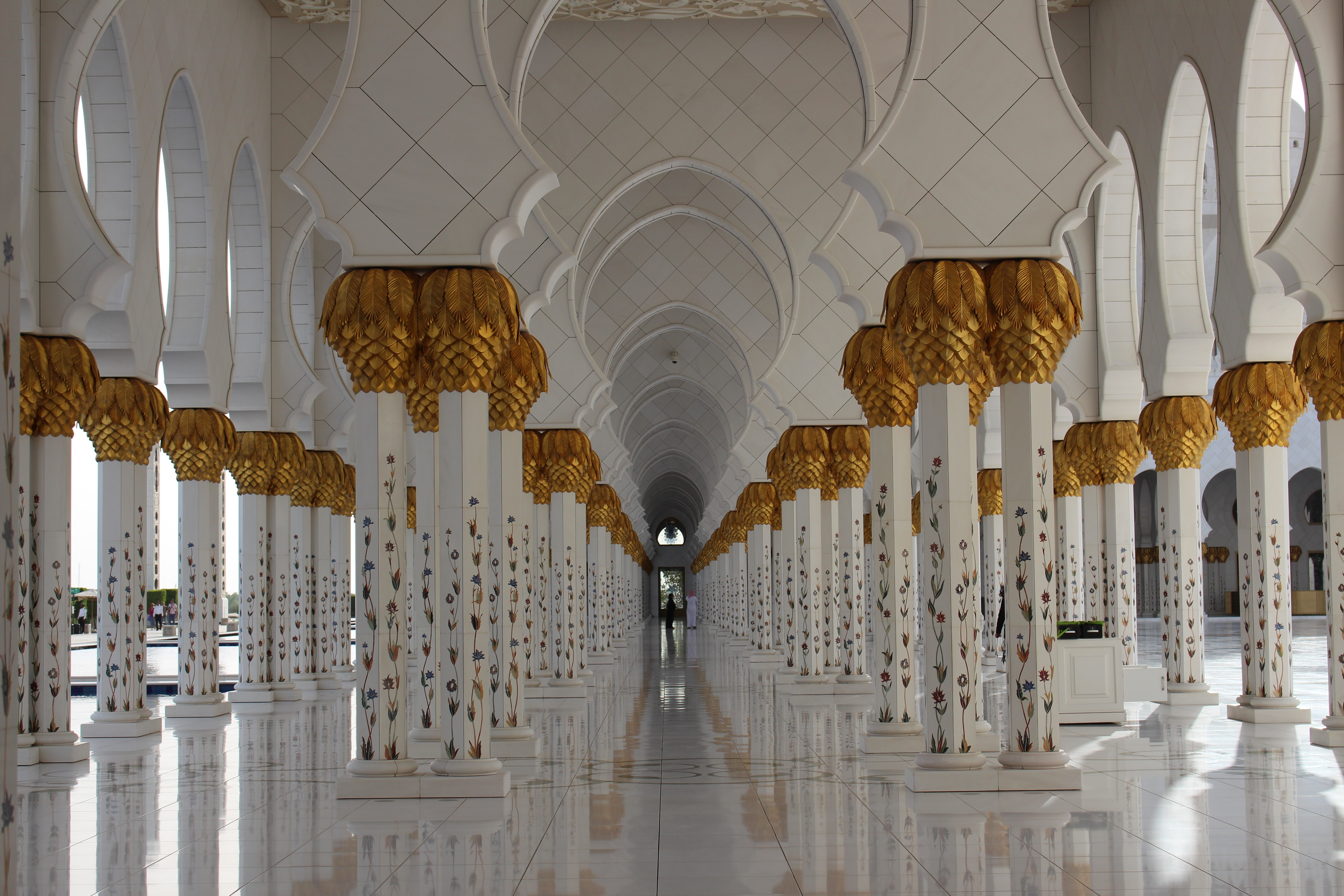 La moschea di sheikh zayed ad abu dhabi for Disegni di interni