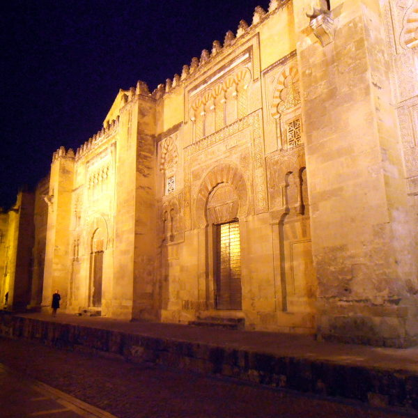 La magia della visita notturna alla Moschea di Córdoba