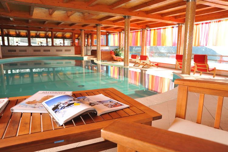 giornali_piscina