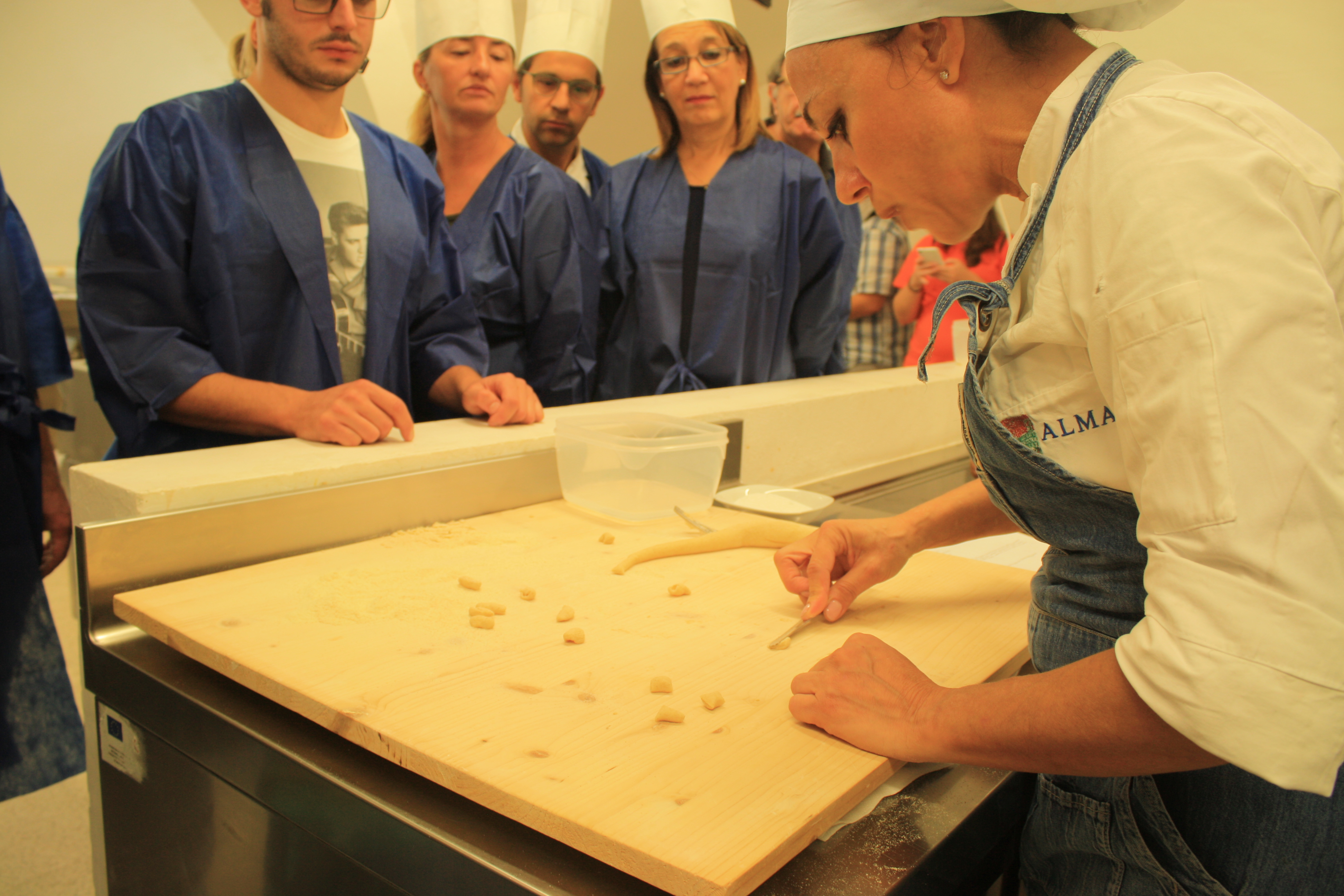 Ceglie messapica a scuola di cucina con antonella ricci - Scuola di cucina a bari ...