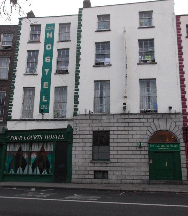 Dove dormire low cost a Dublino: The Four Courts Hostel