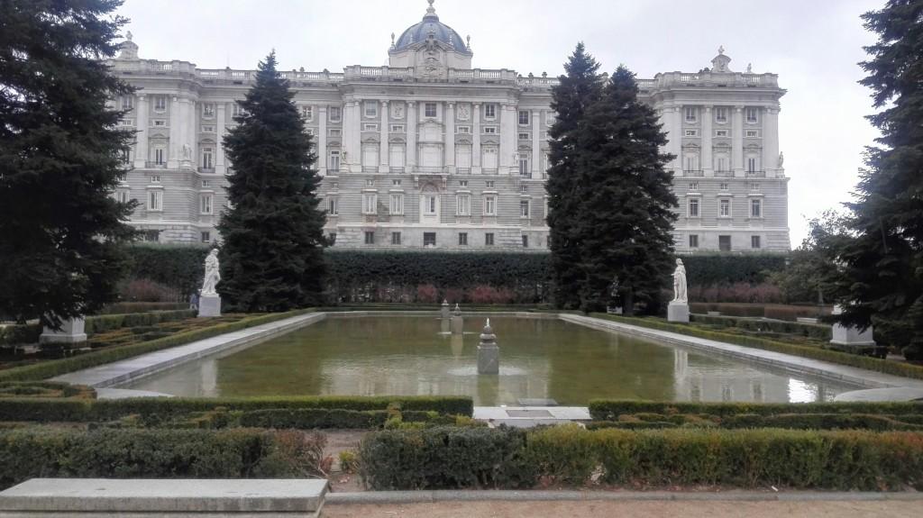 Giardini del Sabatini, sul fondo lato nord di Palazzo Reale