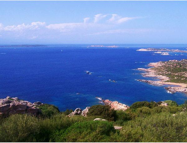 Da La Maddalena a Nuraghe Losa, un itinerario in Sardegna