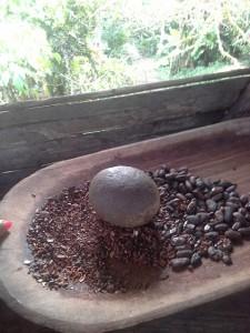 tritura a mano di fave del cioccolato