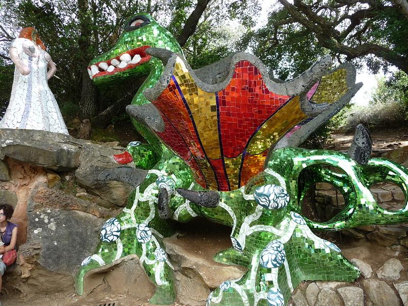 un drago al giardino dei tarocchi