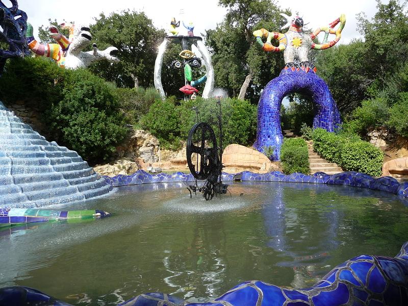 laghetto del giardino dei tarocchi