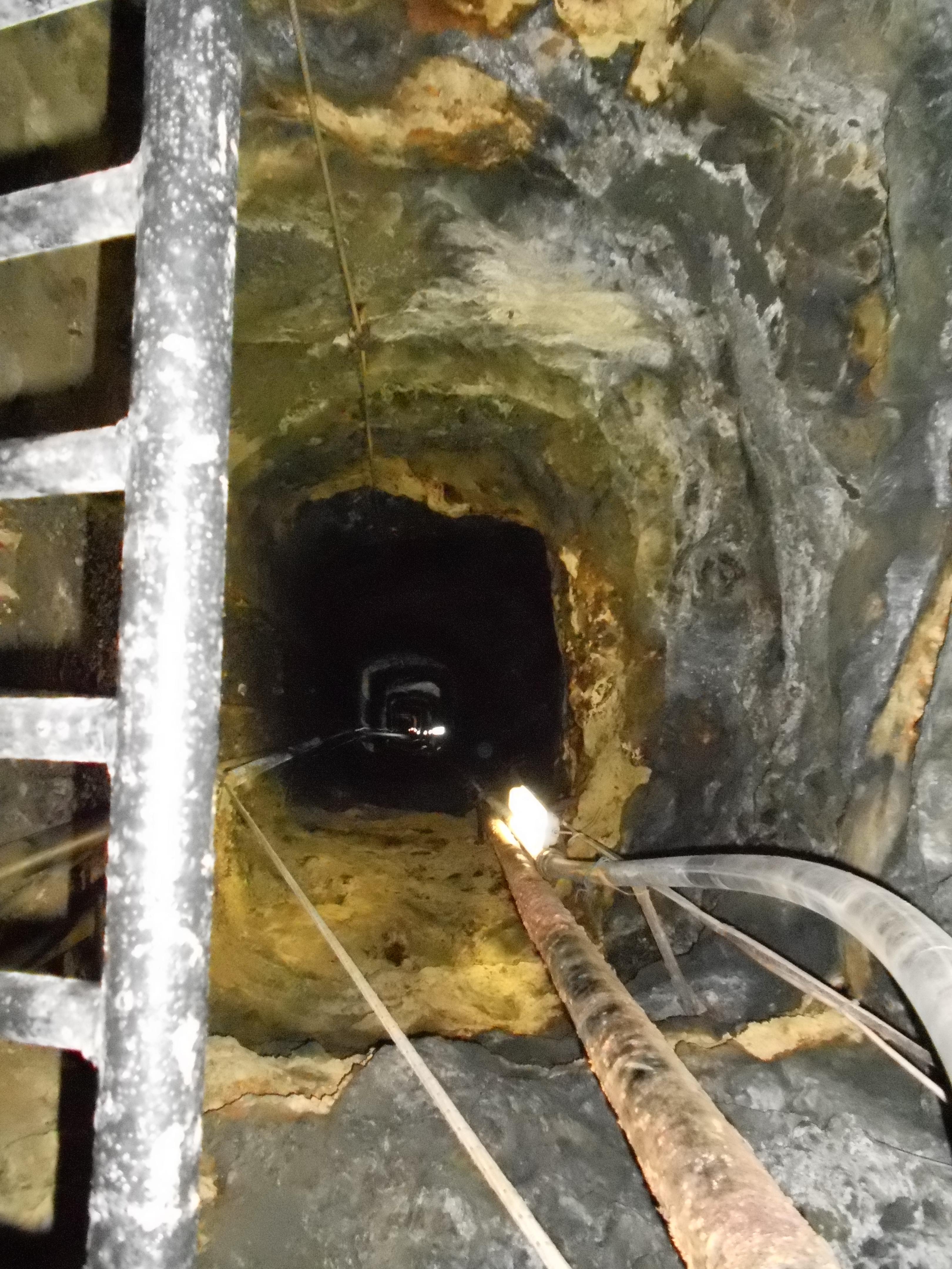 miniere calamita interno