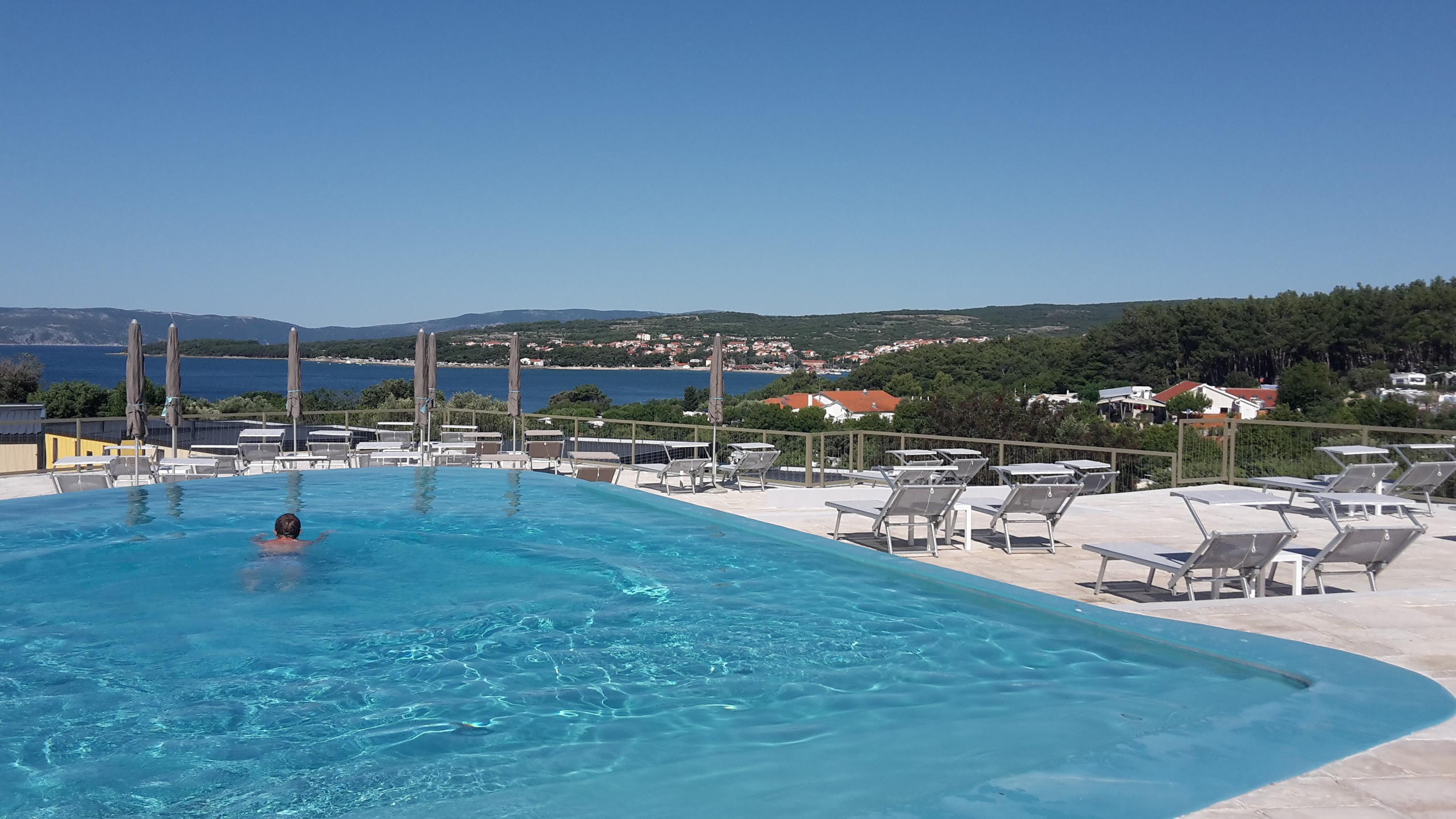 piscina bellavista premium village
