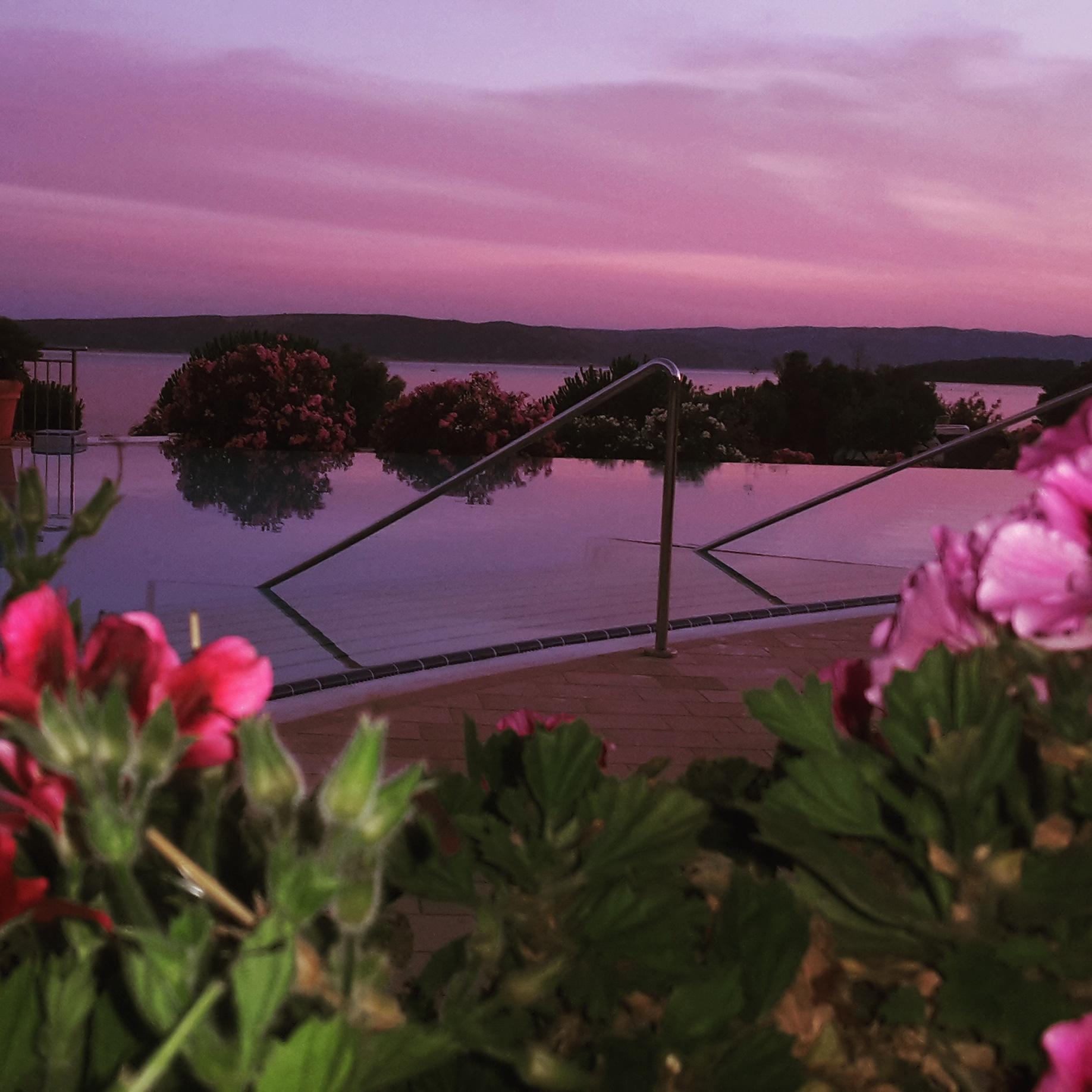 piscina tramonto krk