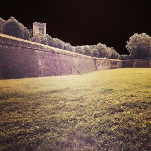Le Mura di Lucca viste da Porta S. Maria