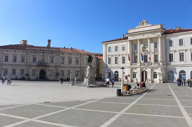 la piazza centrale di pirano