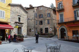Montone Piazza Forebraccio Foto 5
